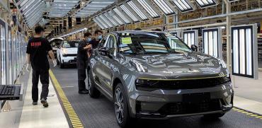 """מפעל ייצור רכב בסין. הסכם הסחר צפוי להיחתם אחרי הבחירות בארה""""ב / צילום: Sun Yilei, רויטרס"""