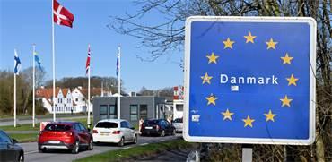 רכבים נכנסים לשטחה של דנמרק בצל בהלת הקורונה / צילום: Carsten Rehder/dpa, Associated Press