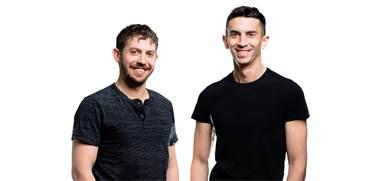 איתי מלינגר ודן ידלין, מייסדי Curv / צילום: נתנאל טוביאס