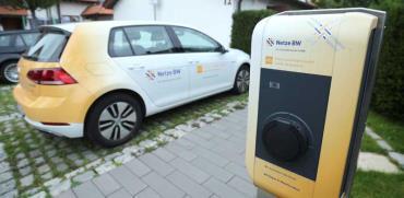 עמדת הטענה של רכב  חשמלי בגרמניה /  צילום: רויטרס, Ralph Orlowski
