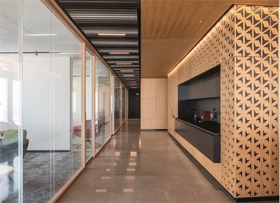 משרדי N1V / תכנון ועיצוב: סטודיו EN (ערן נעים מעצב) / צילום: יואב פלד