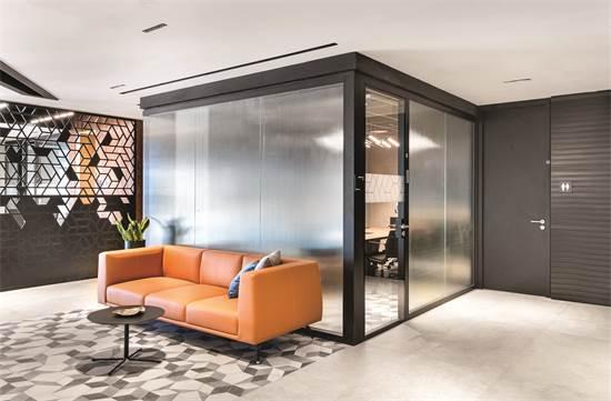 משרדי LEXUS / תכנון ועיצוב: א.ר. גרינברג אדריכלים / צילום: עמית גושר