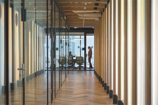 משרדי חברת MCKINSEY & COMPANY / תכנון ועיצוב: אורבך הלוי אדריכלים / צילום: עוזי פורת