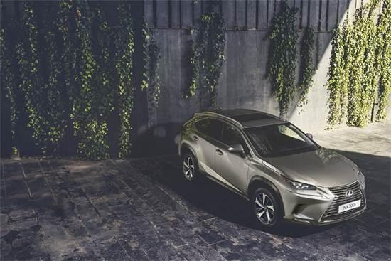 Lexus NX300h. לא חייבים לשלם את כל הסכום מראש / צילום: לקסוס