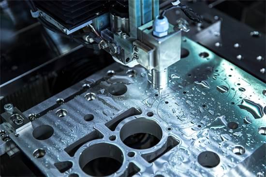 מכונת CNC / צילום: Shutterstock/א.ס.א.פ קרייטיב