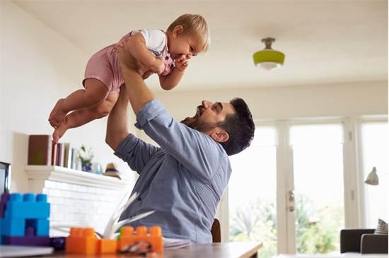 פגישת תכנון פנסיונית תקופתית מתאימה את החיסכון לצרכים אישיים ומשפחתיים / צילום: Shutterstock/א.ס.א.פ קרייטיב