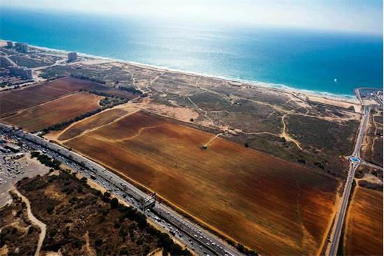 """חוף התכלת הרצליה / צילום: קבוצת יהודה לוי ויאיר נדל""""ן"""