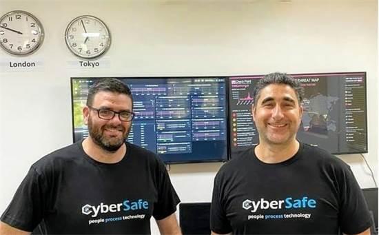 """ירון כהן, מנכ""""ל ותומר סמולנסקי, מנהל טכנולוגיות ראשי, חברת CyberSafe / צילום: CyberSafe"""