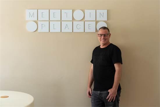 """ירון קופל, מנכ״ל ומייסד Meet in Place / צילום: יח""""צ Meet in Place"""