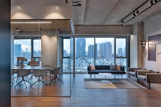 משרדים של בית ההשקעות פסטרנק שהם / צילום: שי אפשטיין