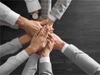 """מיזם """"אמץ חברה"""", ערבות הדדית בעת הקורונה / צילום: Shutterstock/א.ס.א.פ קרייטיב"""