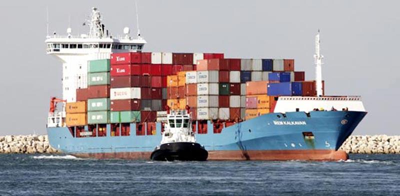 סחורה סחורות ספינה יבוא יצוא אניה / צלם: בלומברג