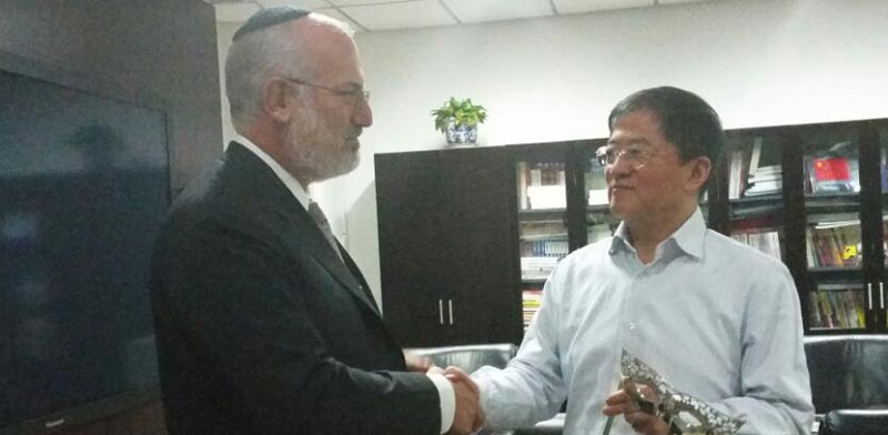אדוארדו אלשטיין ונשיא כמצ'ייינה / צילום: יחצ