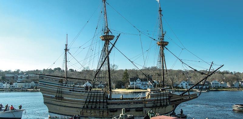 ספינת המייפלאואר המשוחזרת בעיירה מיסטיק בקונטיקט/ צילום:Dennis A Murphy