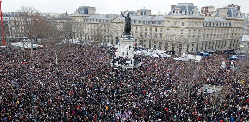 עצרת זיכרון בעקבות הפיגועים בפריז / צילום:רויטרס