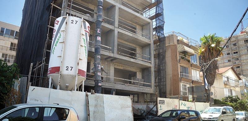 """בניין בחיזוק לפי תמ""""א 38 בר""""ג / צילום: תמר מצפי"""