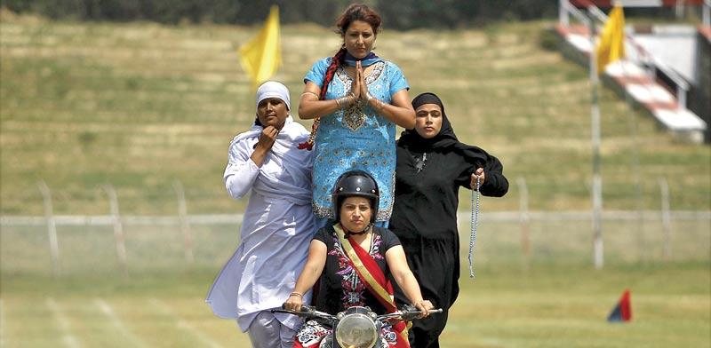 שוטרות בהודו / צילום: רויטרס