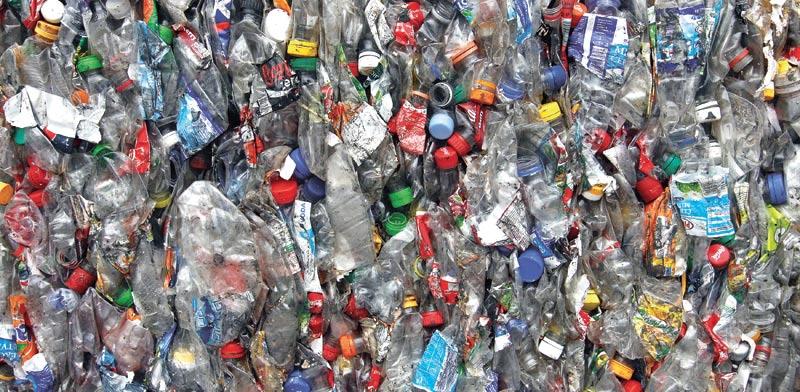 בקבוקי פלסטיק ממוחזרים / צילום: רויטרס