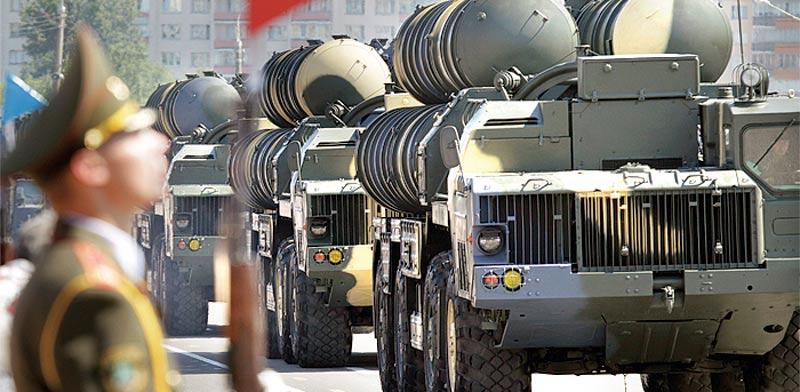 טילי 300–S במצעד צבאי /  צילום: רויטרס