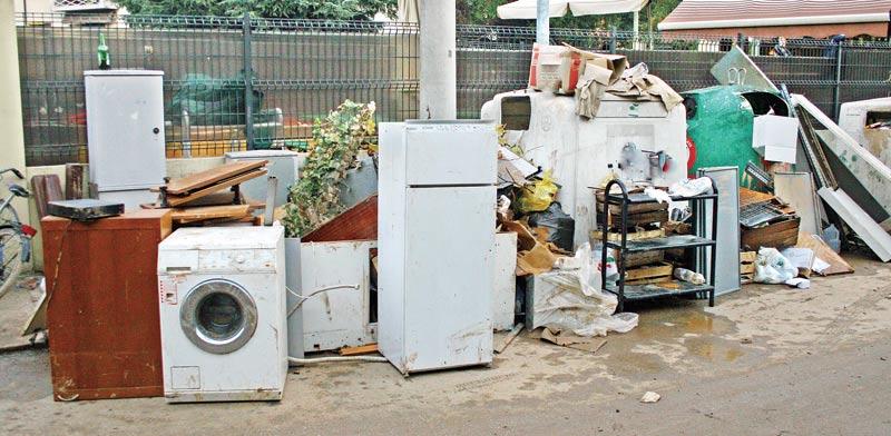פסולת אלקטרונית / צילום:צילום:  Shutterstock/ א.ס.א.פ קרייטיב