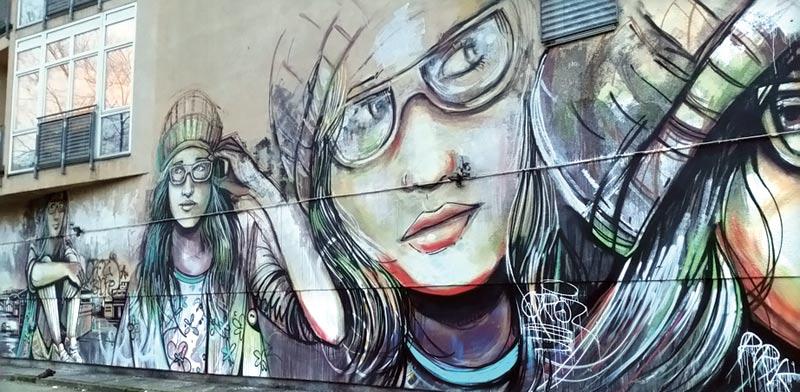 אומנות רחוב מול שרידי החומה / צילום: חגית פלג-רותם