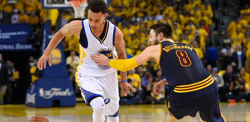 גולדן סטייט מנצחת את קליבלנד במשחק 5 בגמר ה-NBA / צלם: רויטרס