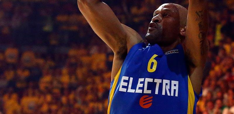 """מכבי ת""""א כדורסל / צילום : רויטרס"""