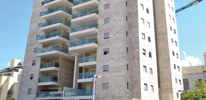 """בניין באשדוד ממכרזי """"מחיר למשתכן"""" הקודמים / צילום: תמר מצפי"""
