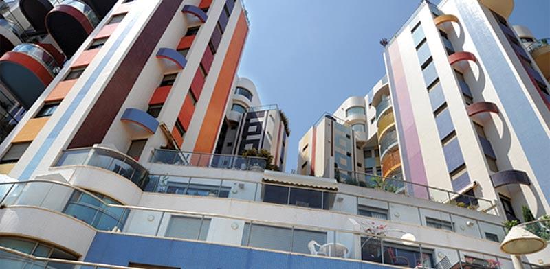דירה בת 3 חדרים בתל אביב, בפרויקט מגדלי נאמן בצפון העיר / צילום: איל יצהר