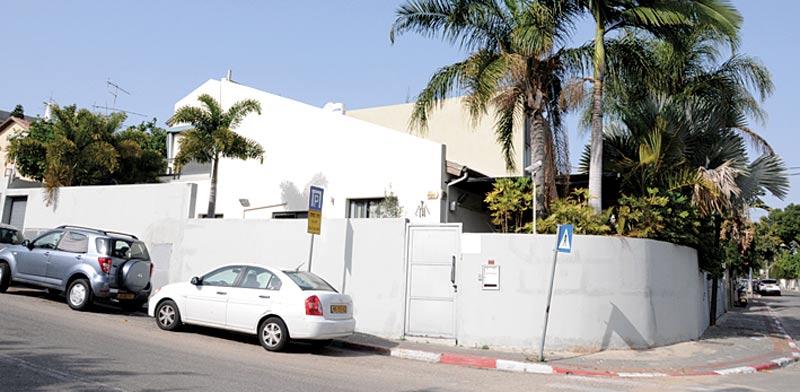 קוטג' פינתי, דו משפחתי, בן 5 חדרים בתל אביב, ברחוב הרוגי מלכות בשכונת רמת החייל / צילום: יחצ