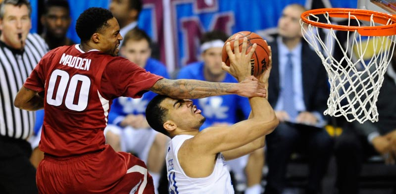 קנטאקי מול ארקנסאס כדורסל מכללות / צילום: רויטרס