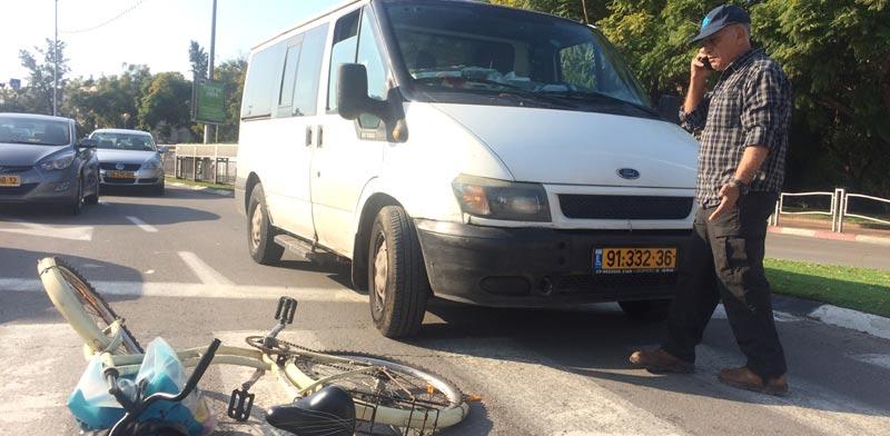 תאונת אופניים / צילום: מירב מורן