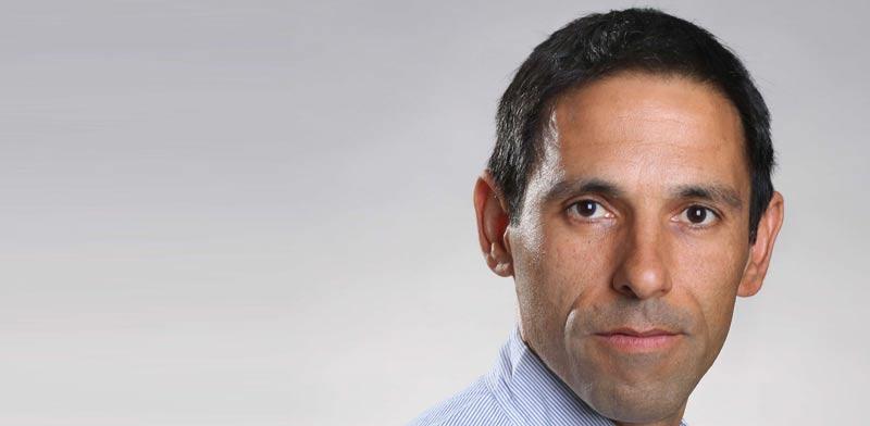 Dr. Gil Shalev