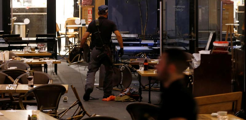 הפיגוע בשרונה תל אביב / צילום: רויטרס