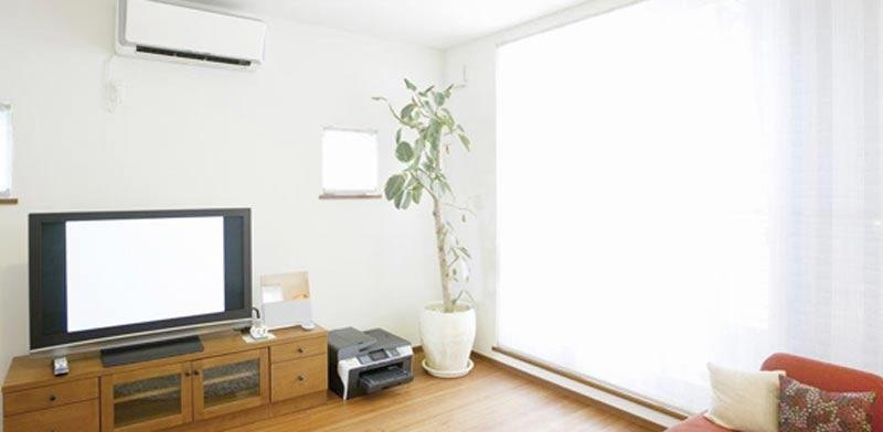 מזגן בסלון/ צילום:  Shutterstock/ א.ס.א.פ קרייטיב