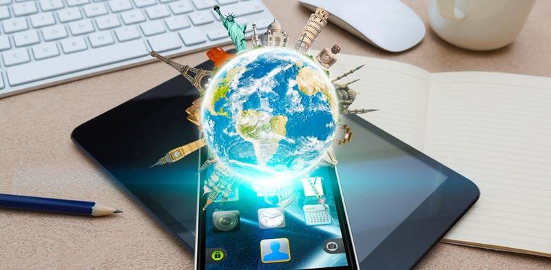 """טסים: פתרונות טכנולוגיים שיסייעו לכם להישאר מחוברים בחו""""ל"""