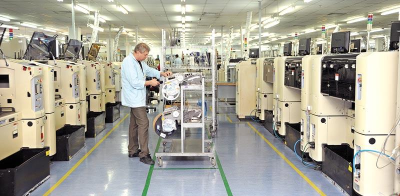 מפעל היי טק / צילום: איל יצהר