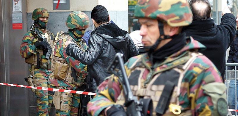 חיילים בתחנת הרכבת התחתית / צילום: רויטרס