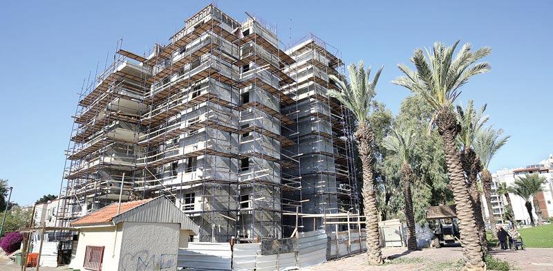 """פרויקטי תמ""""א 38 של חב' """"יובל נכסים   ובניה"""" ביהוד / צילומים:  אלון רון"""