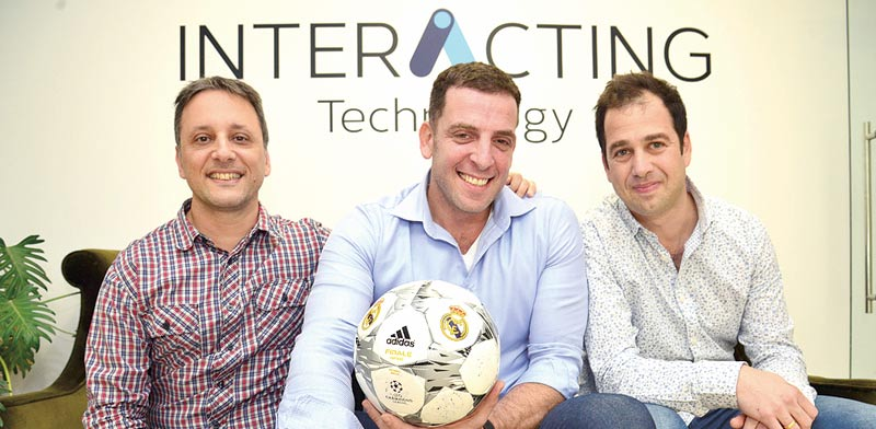 רונן מדברי, ליאב אליאש וניר חכמוב - חברת Interacting  / צילום: תמר מצפי