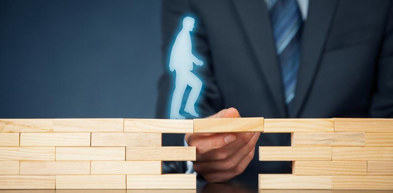 פנייה לחברת הביטוח / (צילום:  Shutterstock/ א.ס.א.פ קרייטיב)