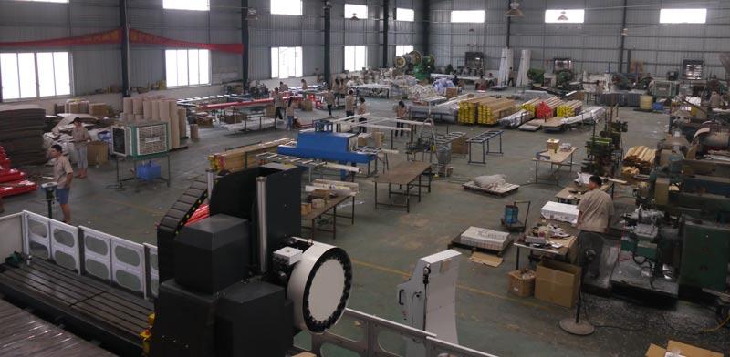 מרכז ריהוט בסין/ צילום: אילת שבו