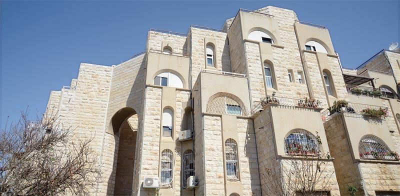 בניין בירושלים / צילום: איל יצהר