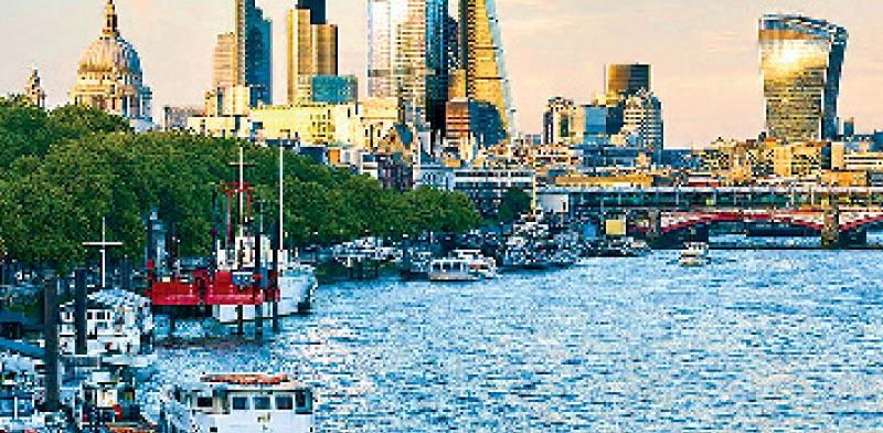 הסיטי של לונדון והדמיית המגדל של גינור במרכז / הדמייה יחצ