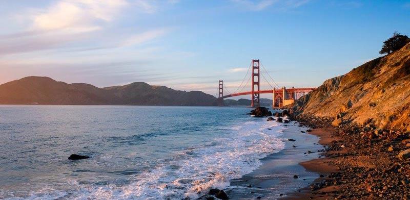 סן פרנסיסקו- כמעט מכל מקום בעיר נשקף גשר הזהב / צילום:  Shutterstock/ א.ס.א.פ קרייטיב