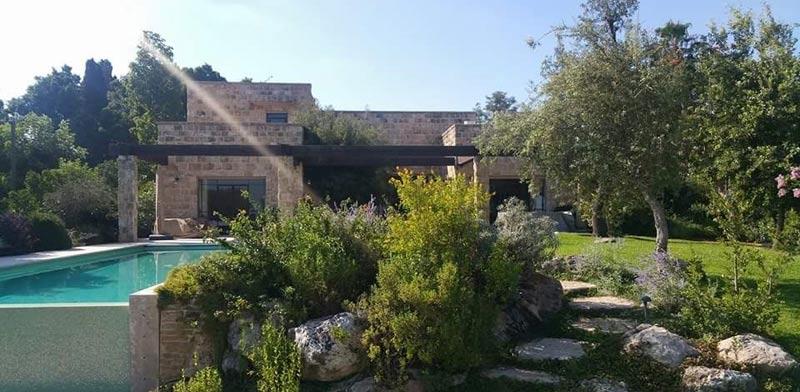 """חזית אחורית של בית הכורכר. אדריכלות: עודד לביא / יח""""צ"""