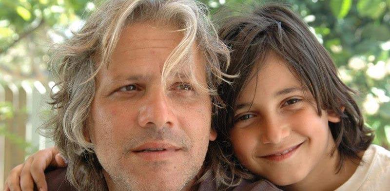 """דודי קסורלה עם בנו הצעיר מתוך 4 בנים / יח""""צ"""