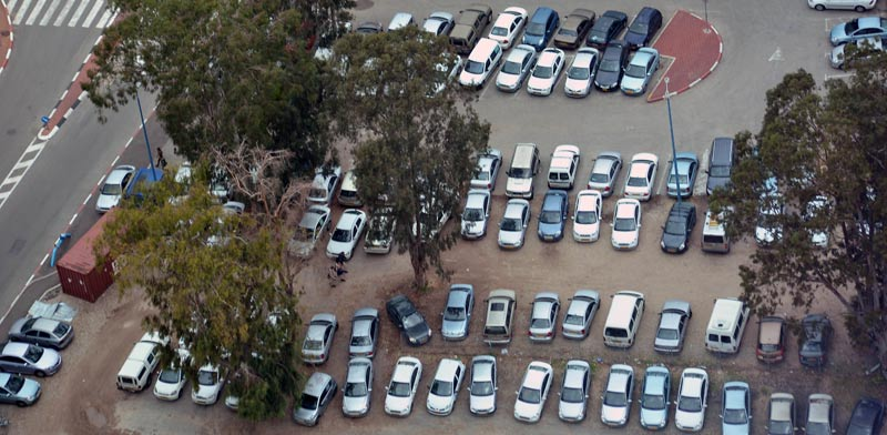 חניון מכוניות, כלי רכב / צילום: ורהפטיג ונציאן