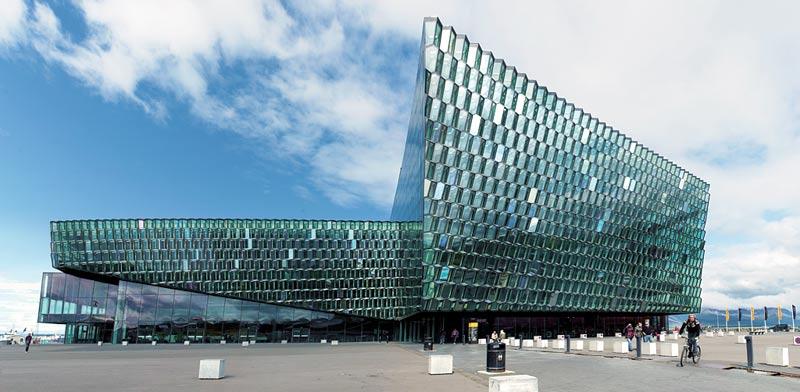 איסלנד. בניין הארפה / צילום: Shutterstock   א.ס.א.פ קריאייטיב