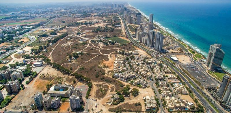 """""""אנו מאמינים בפוטנציאל של נתניה כעיר חוף יפה"""". צילום: רן אליהו"""